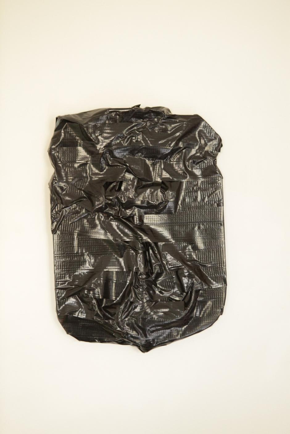 negro sobre negro 01 LR